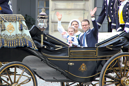 Crown Princess Victoria and family in carriage