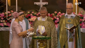 Crown Princess Victoria pours holy water