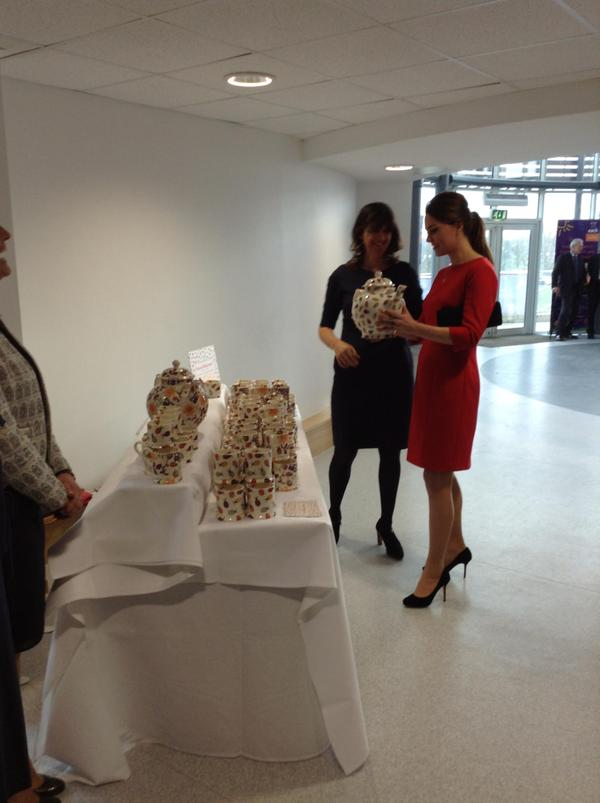 Kate Middleton and Emma Bridgewater inspect pottery EACH