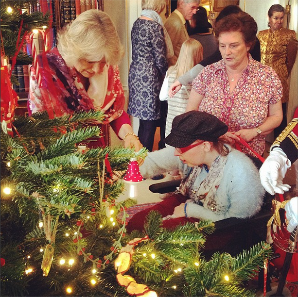 Camilla tree decorating with children