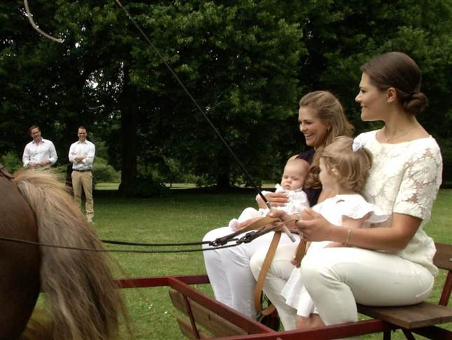 Victoria, Madeleine, Estelle, Leonore SVT Aret med Kungafamiljen