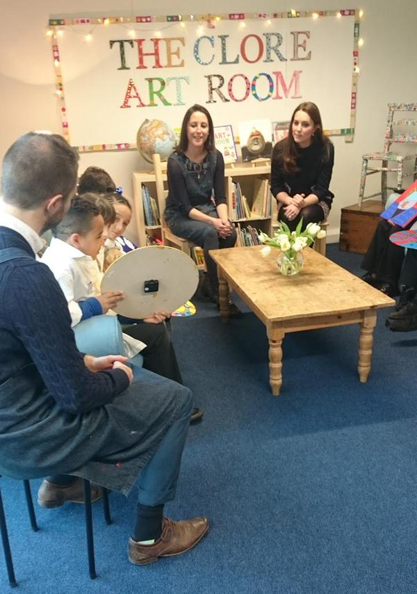 Kate talks to kids about their art 2