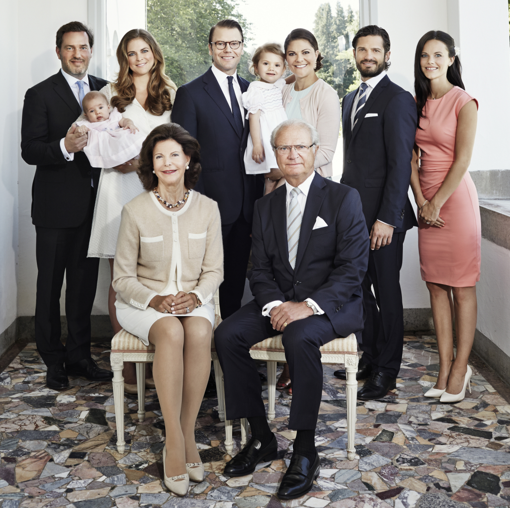 Swedish Royal Family new years portrait small