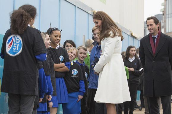 Kate meets kids at the mural