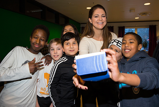 Princess Madeleine takes selfie with kids