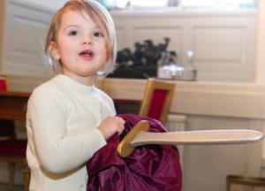 Estelle receives toy sword