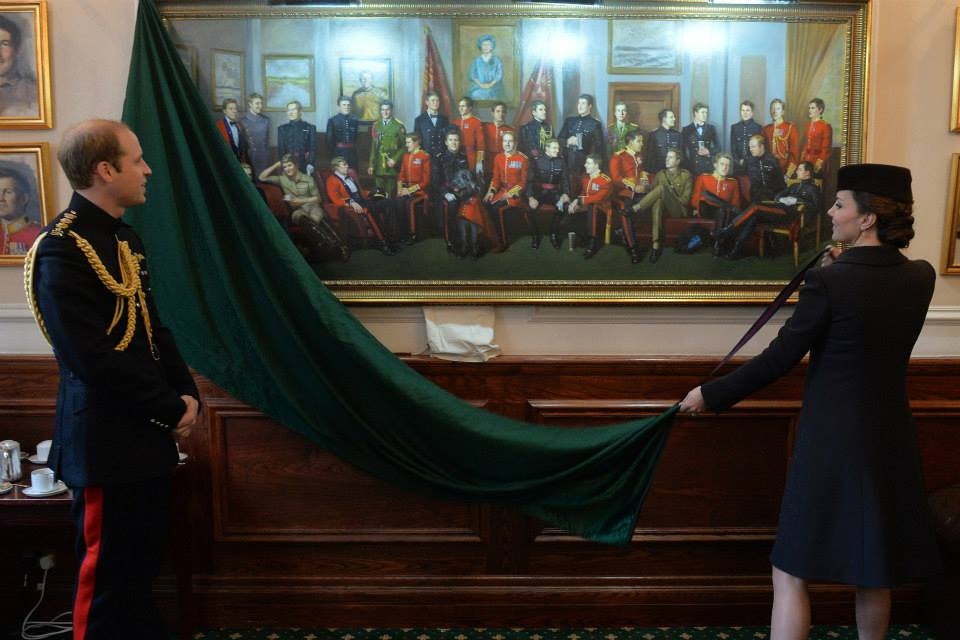 Kate unveils painting