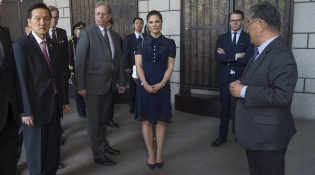 Victoria and Daniel visit war museum