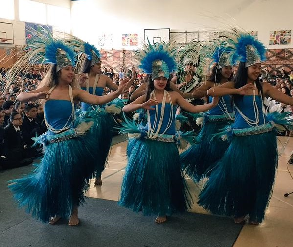 Cook Island dancers at Southern Cross Campus school s