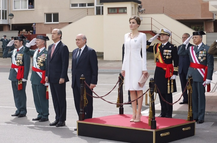 Letizia at flag delivery