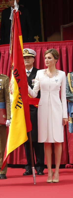 Letizia with flag2