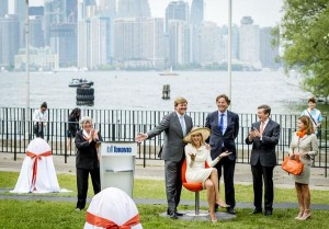 Maxima and Willem-Alexander unveil tulip chairs