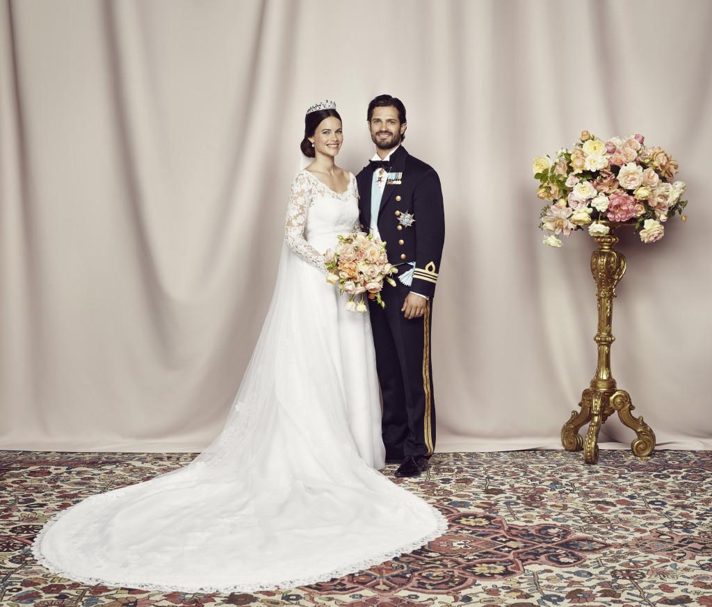 Prince Carl Philip and Princess Sofia official wedding portrait