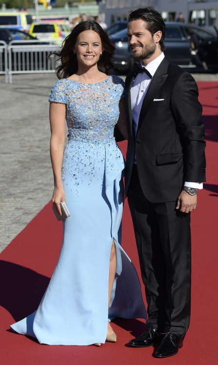 Sofia Hellqvist and Prince Carl Philip arrive at pre-wedding dinner s