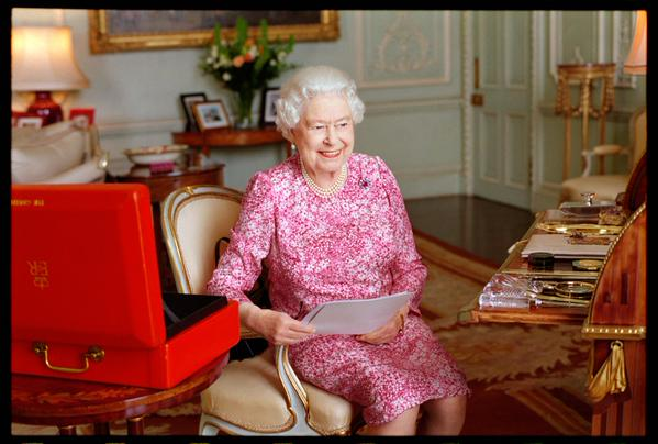 Queen Elizabeth longest reigning monarch