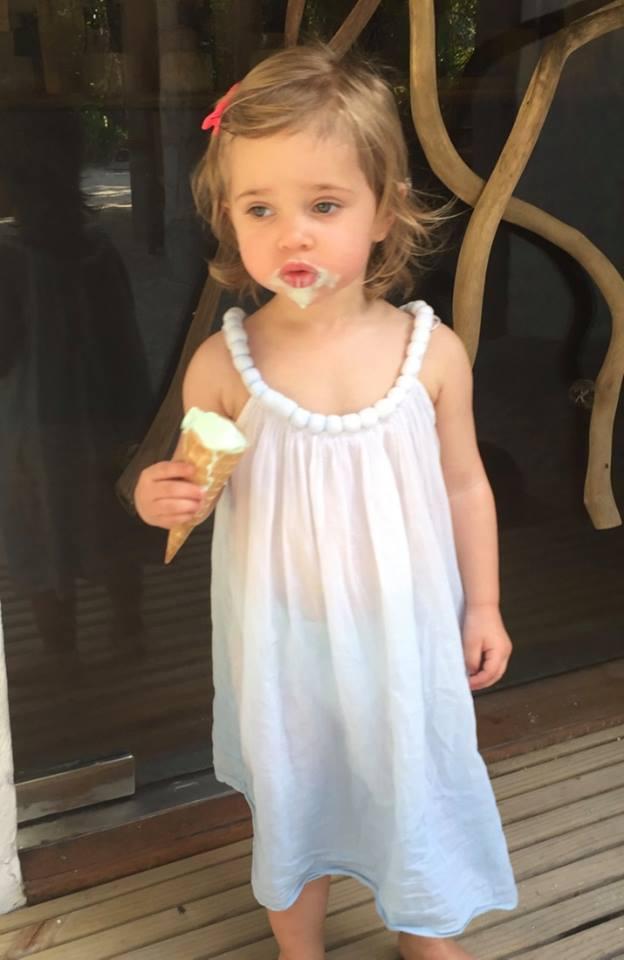 Leonore eating ice cream
