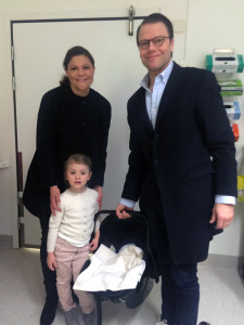 Crown Princess family leaves the hospital