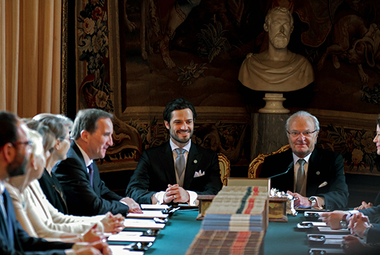 King and Carl Philip cabinet meeting