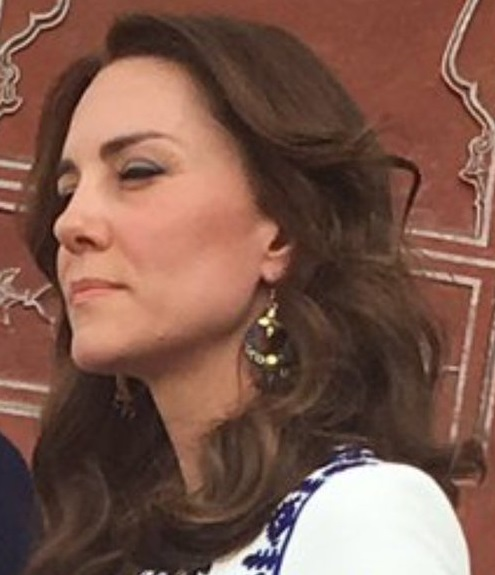 Kate in Bhutanese earrings at Taj Mahal