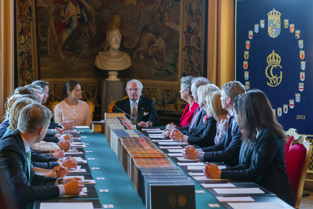 King and Victoria cabinet meeting name reveal