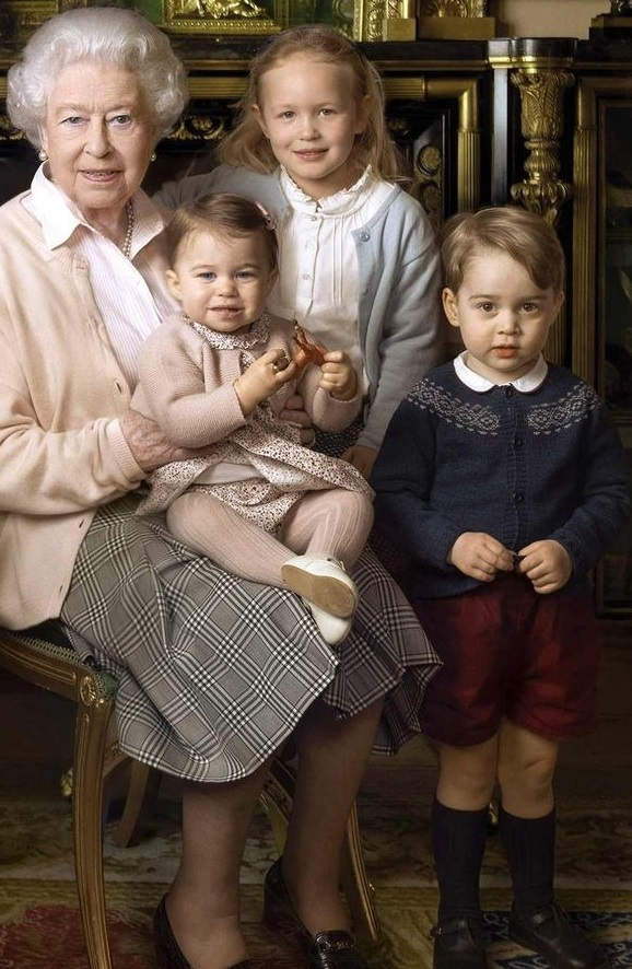 Queen's 90th birthday photo with George and Charlotte