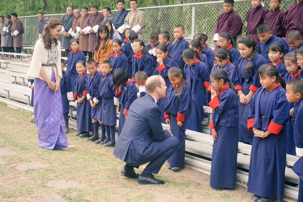 William and Kate meet children