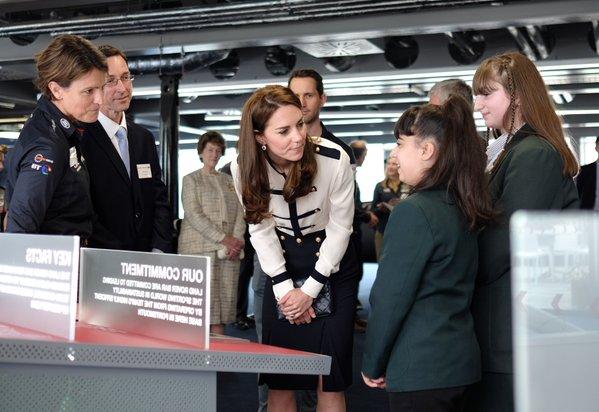 Kate meets kids at Tech Deck May 2016