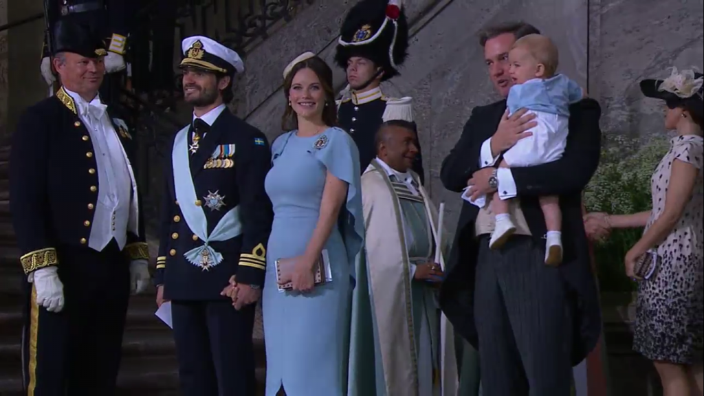Sofia and Carl Philip holding hands