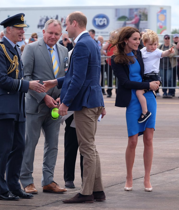 William, Kate, George arrive at air show