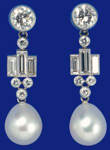 bahrain-pearl-drop-earrings