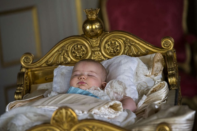 alexander-in-karl-xvs-cradle-after-the-christening-s