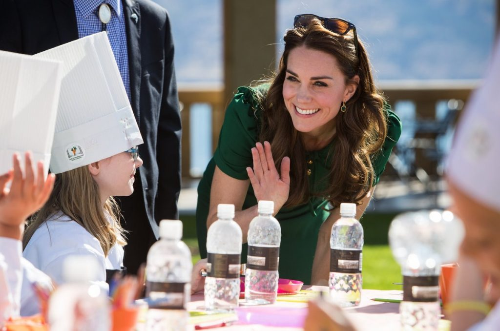 kate-meets-children-from-chefs-in-the-classroom