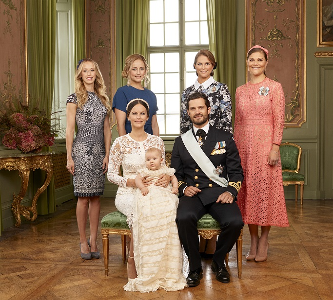 prince-alexander-christening-sisters-photo-s