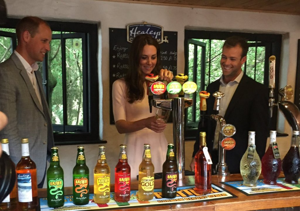 William and Kate sample Rattler cider at Healeys in Cornwall