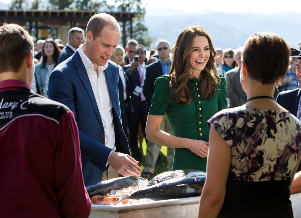 william-and-kate-sample-food-from-bc-chefs-2