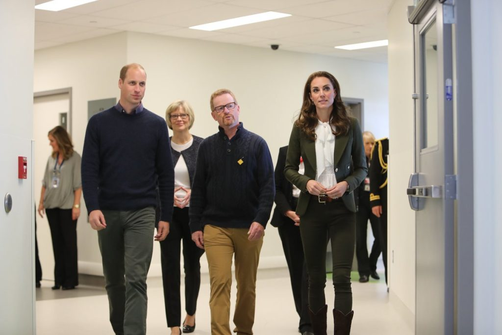 william-and-kate-tour-haida-gwaii-hospital-and-health-centre