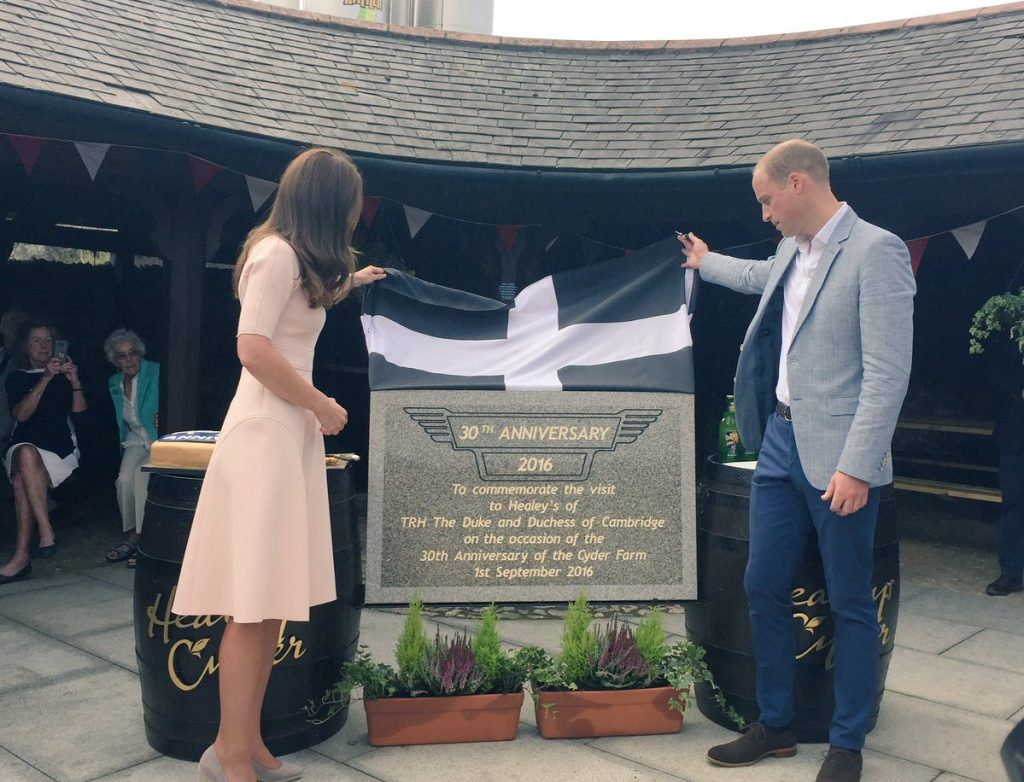 William and Kate unveil plaque at Healeys in Cornwall