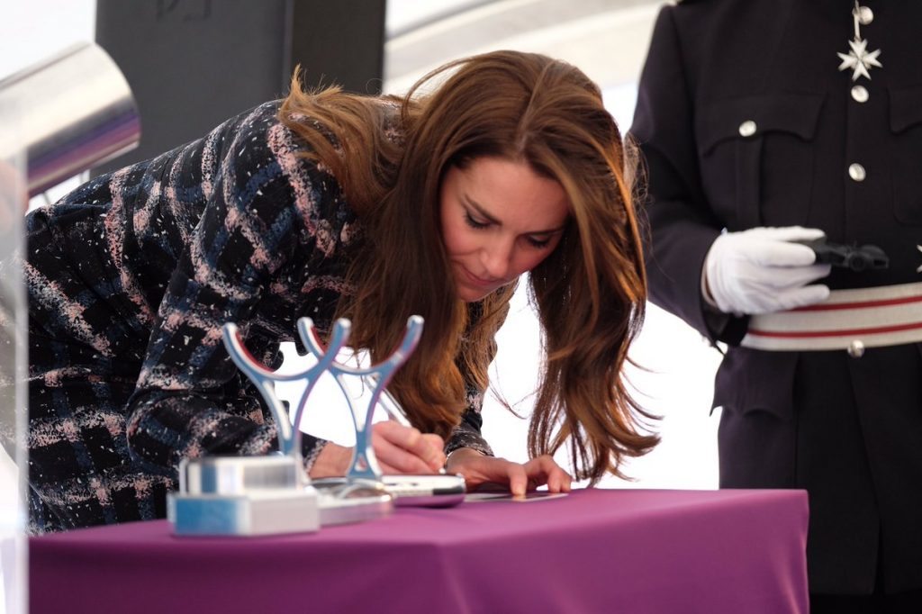 kate-signs-university-of-manchester-time-capsule