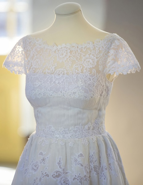 princess-madeleine-wedding-gown-2-s