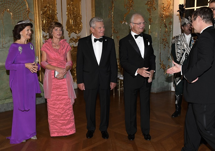 Queen Silvia at Return Banquet in Germany Oct 2016