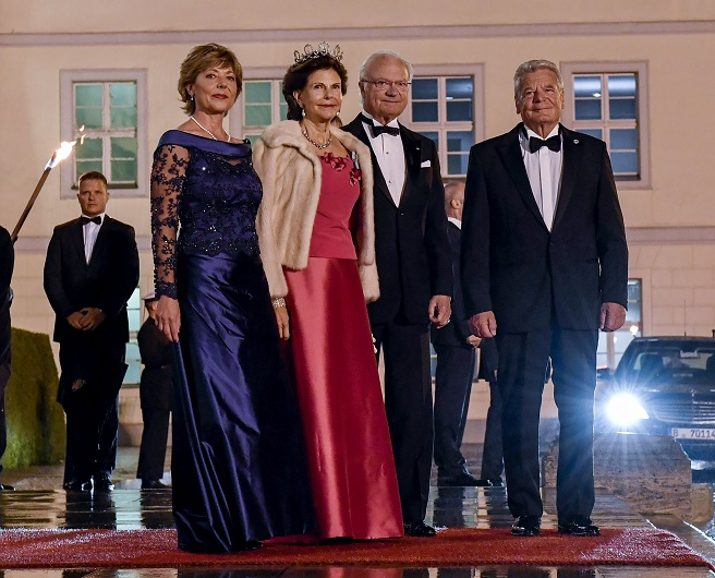 Queen Silvia at State Banquet in Germany Oct 2016