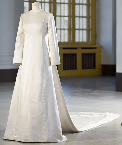 queen-silvia-wedding-gown-cp-s
