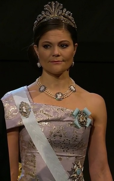 crown-princess-victoria-head-shot-nobel-2016-s