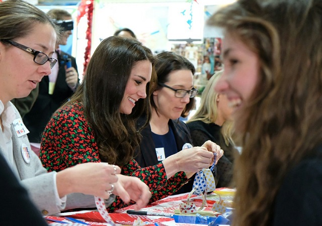 kate-making-decorations-at-the-mix-christmas-party-s