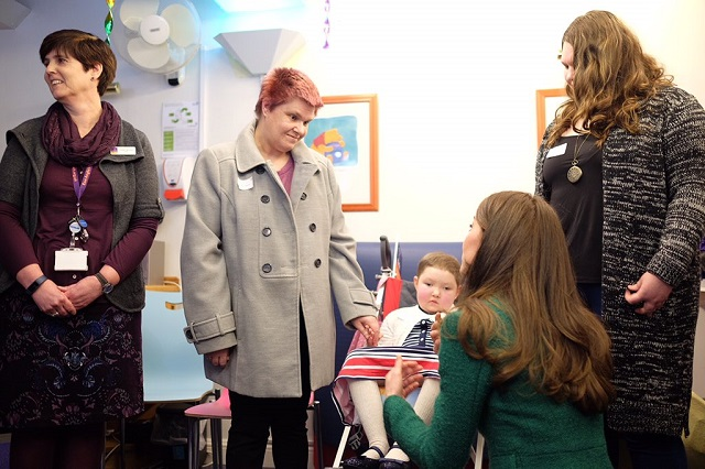 Kate meets children and families at EACH Jan 2017 3 s