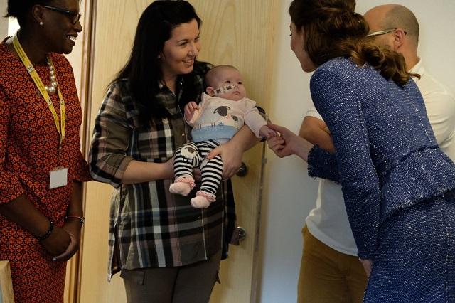 Kate meets residents at Ronald McDonald House Feb 2017 s