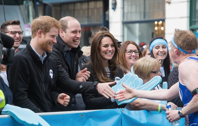 William, Kate, Harry cheer on runners at London Marathon s