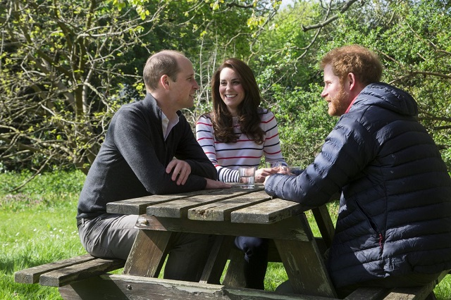 William, Kate, Harry oktosay mental health video