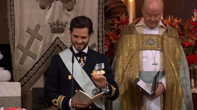 Prince Carl Philip gives reading at Prince Gabriel's Christening
