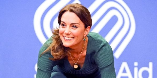Kate gives speech at SportsAid event